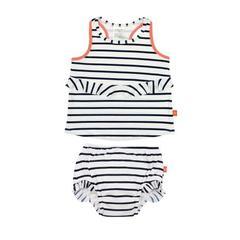 todelt svømmedragt med ble til baby